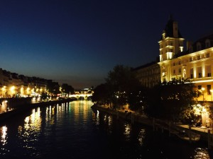 along the seine at nite